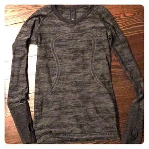 Lululemon long sleeve t